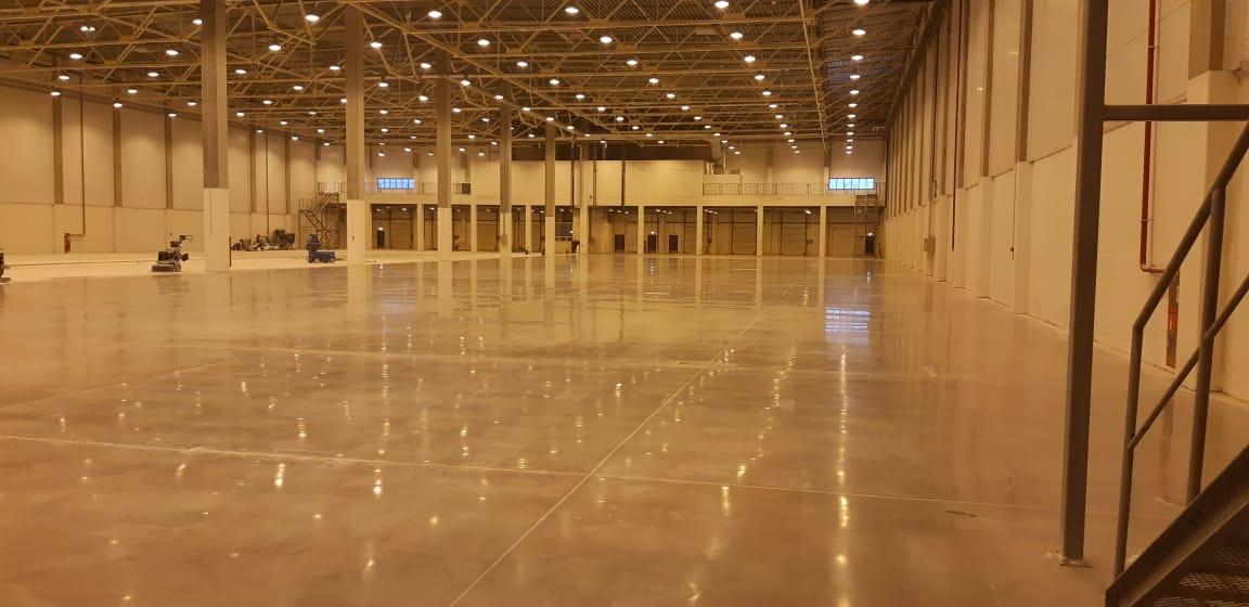 Полировка бетонного пола на складе